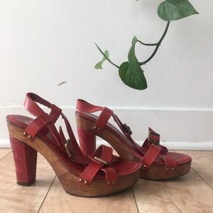 ✨ Gianni Bini Red Leather Wooden Buckle Heels ✨